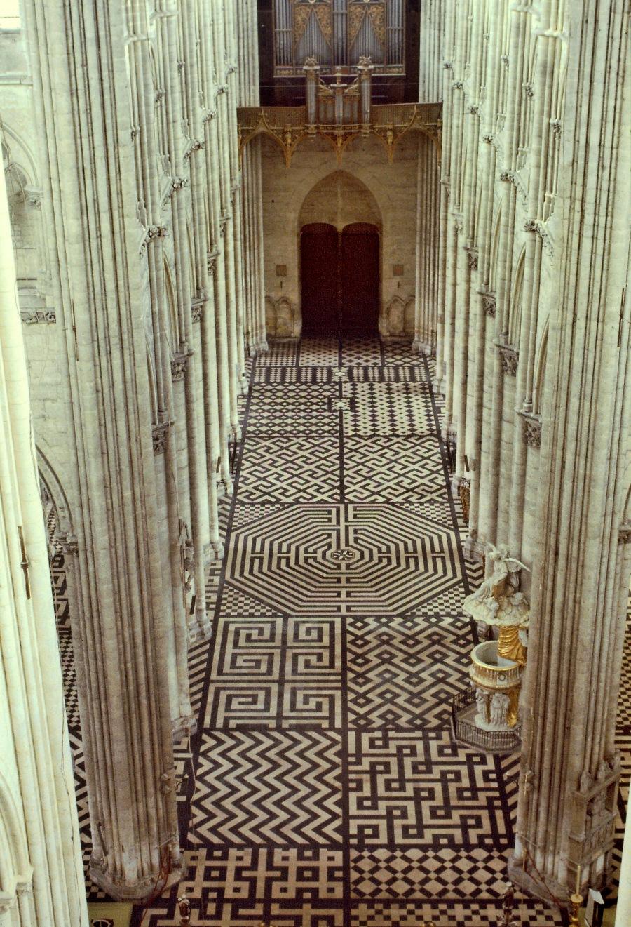 Laberinto de la catedral de Amiens, vista del cuerpo de luces